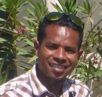 Ricardo Mendonsa, an Indonesian-trained dental therapist, joined Armando in Maubisse Hospital.